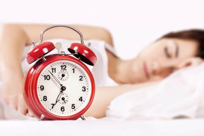 beneficios de dormir para la piel