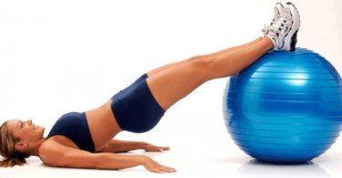 ejercicios con fitball para piernas, caderas y glúteos