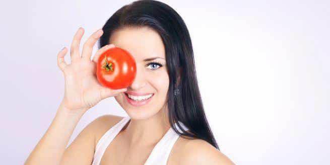 tomate para las ojeras