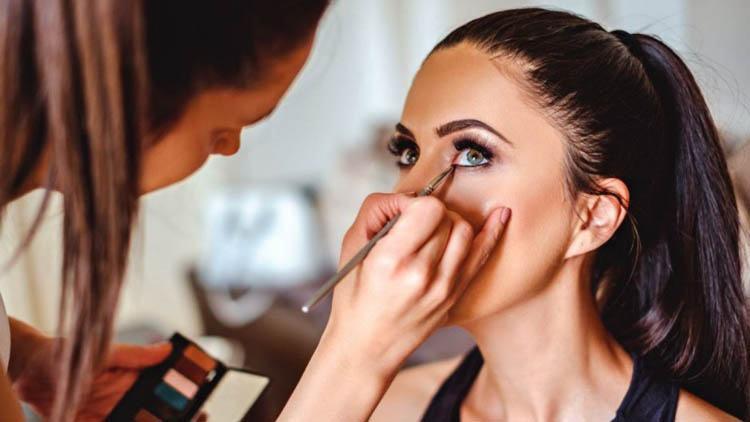 corregir facciones con el maquillaje