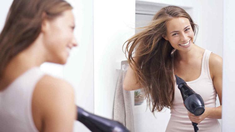 secar el cabello largo