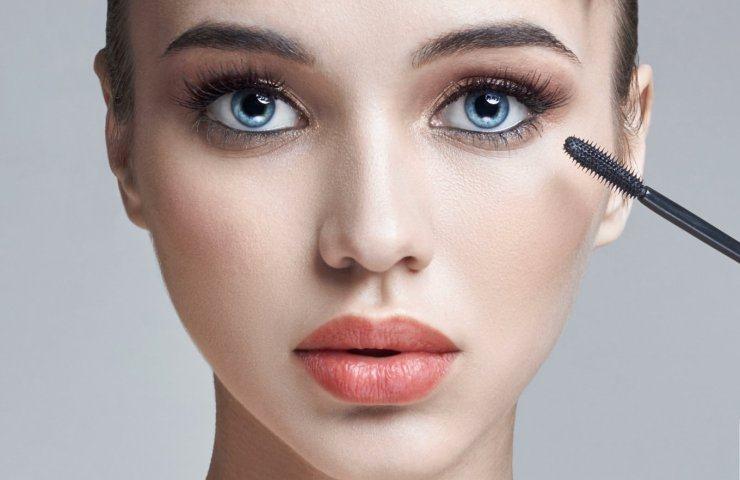 maquillar ojos caídos