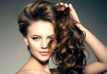 peinar el cabello ondulado