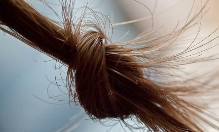 nudos en el pelo