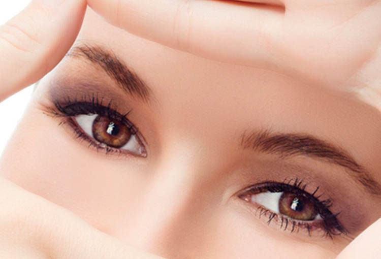 irritación ocular maquillaje
