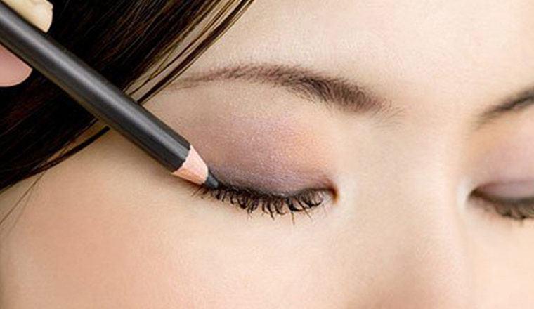 lápiz de ojos