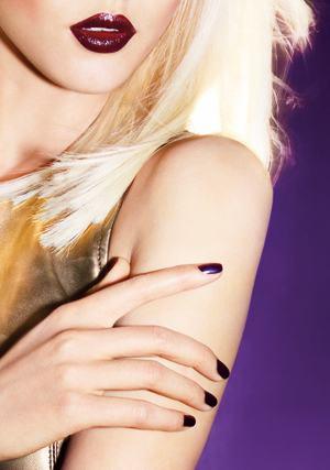 nail-lacquer-black-iris