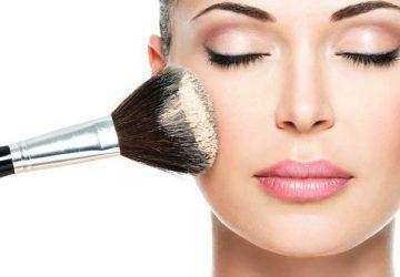 maquillaje para evitar los brillos