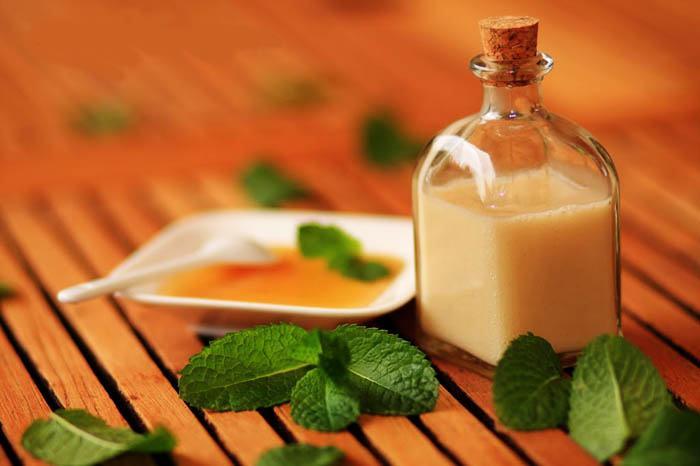 gel de ducha casero con aceite esencial de menta y lima