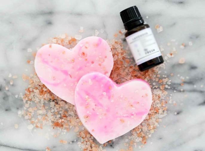 jabón de corazones para San Valentín