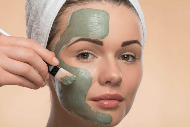 mascarilla de arcilla verde y manzanilla