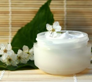 crema con aceite de cardo mariano