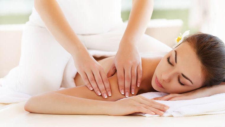 sesión de masajes terapéuticos