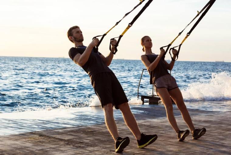 ejercicios al aire libre con TRX